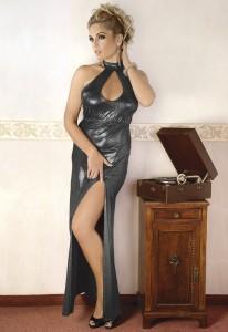 rückenfreies Kleid aus silber schimmerndem Material